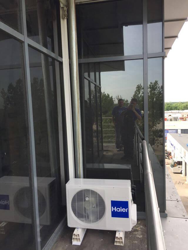 klimatyzacja haier zewnętrzna na balkonie