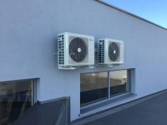 Montaż dwóch klimatyzatorów kasetonowych Marki HOKKAIDO o mocy chłodniczej 7,1 kW w salonie samochodowym we Wrocławiu.