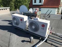 Montaż dwóch klimatyzatorów LG z serii PRESTIGE o mocy 2,5 kW i 3,5 kW. Agregaty zamontowane na dachu na specjalnym stelażu