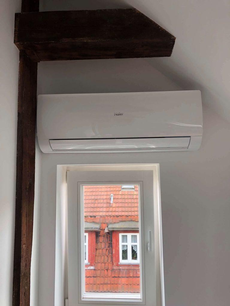 klimatyzacja FLARE marki HAIER jednostka wewnętrzna w mieszkaniu